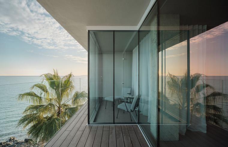 西班牙看向大海的住宅-16-A-room-with-a-sea-view_eg-arquitectos