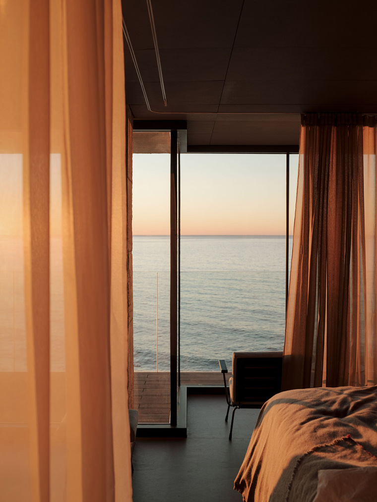 西班牙看向大海的住宅-17-A-room-with-a-sea-view_eg-arquitectos