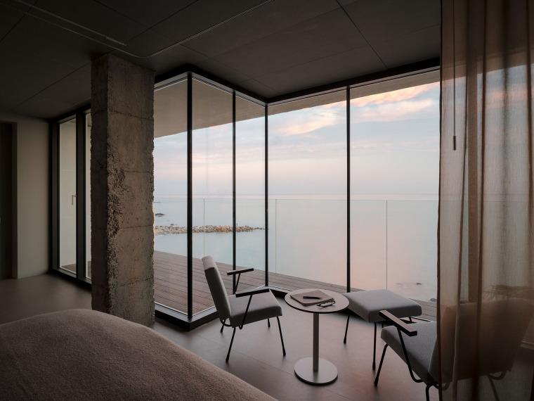 西班牙看向大海的住宅-18-A-room-with-a-sea-view_eg-arquitectos
