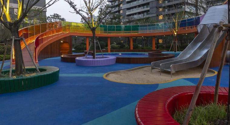 [江苏]现代风格居住区景观设计方案-儿童乐园实景图