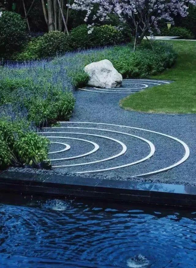 景观设计不只是种树,还有铺装、小品和水景_12