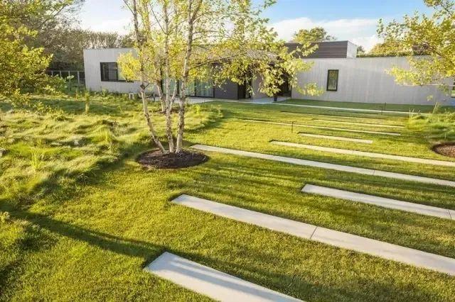 景观设计不只是种树,还有铺装、小品和水景_14