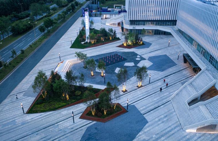 哈尔滨博览城市展厅前广场景观-20200717172331216