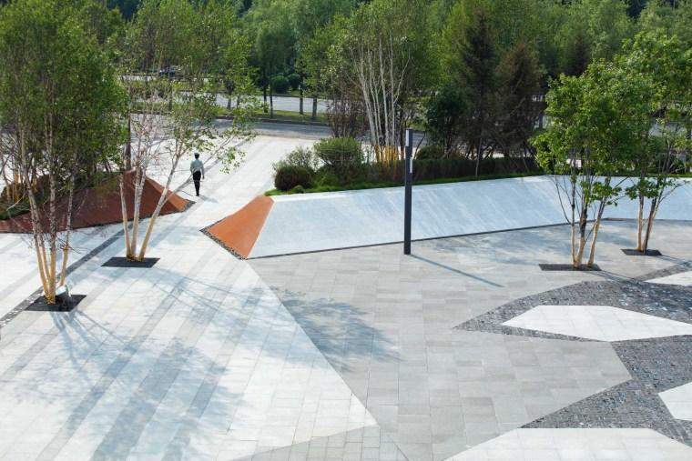 哈尔滨博览城市展厅前广场景观-20200717172355984