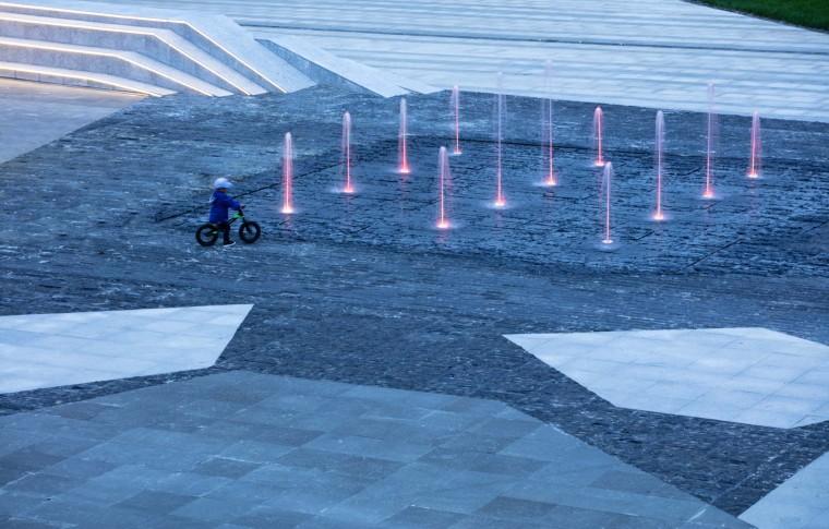 哈尔滨博览城市展厅前广场景观-20200717172408562