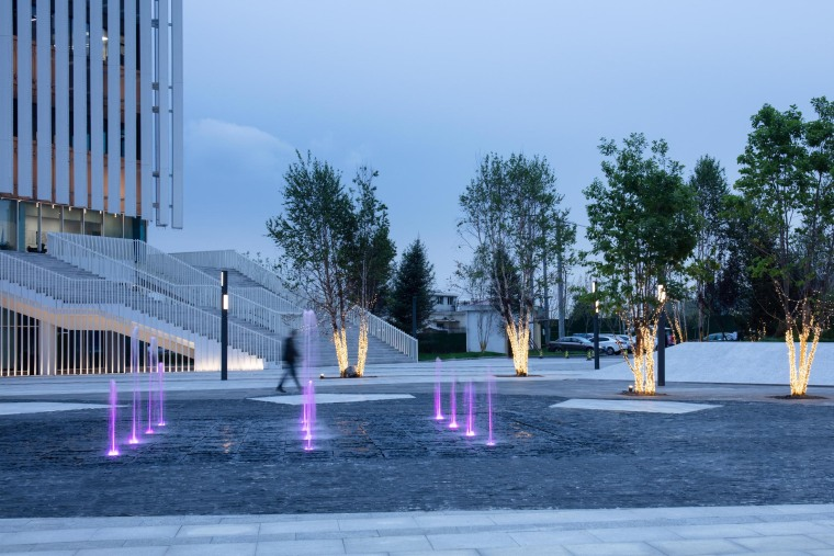 哈尔滨博览城市展厅前广场景观-20200717172415412