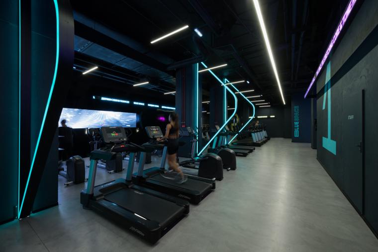 莫斯科Kometa黑色健身俱乐部-24