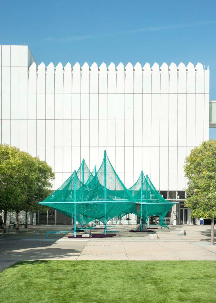 美国绿色鸟类栖息结构装置-murmuration-so-il-installation-atlanta-archive_dezeen_2364_col_0-scaled