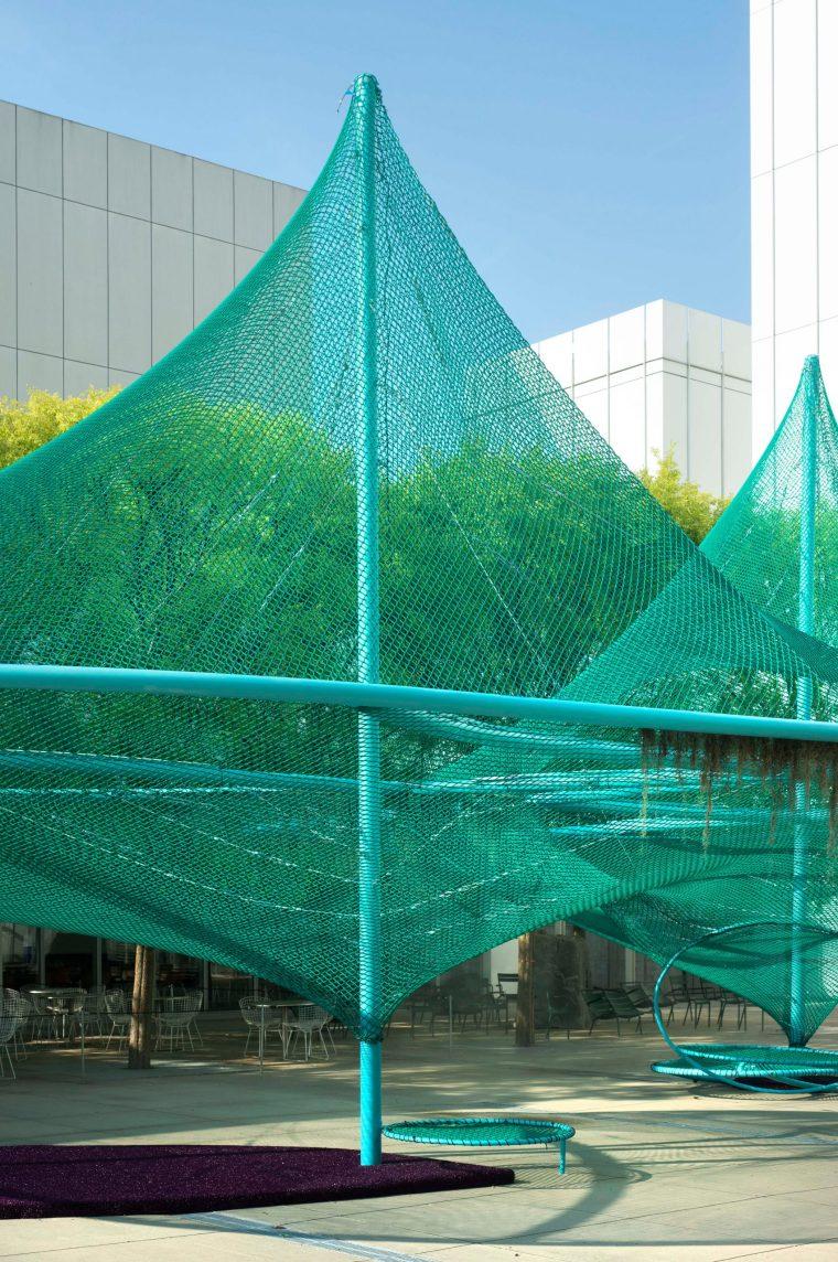美国绿色鸟类栖息结构装置-murmuration-so-il-installation-atlanta-archive_dezeen_2364_col_4-scaled