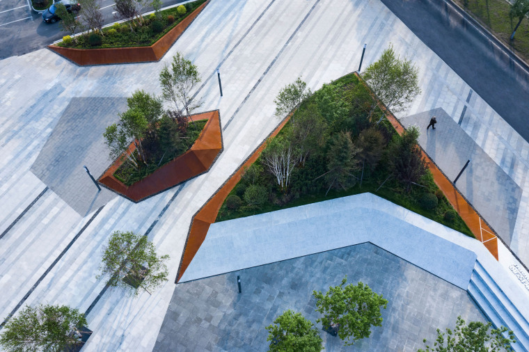 哈尔滨博览城市展厅前广场景观-20200717172312304