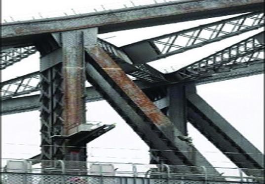 混泥土铺装路面资料下载-钢桥桥面铺装路面常用材料及受力特点