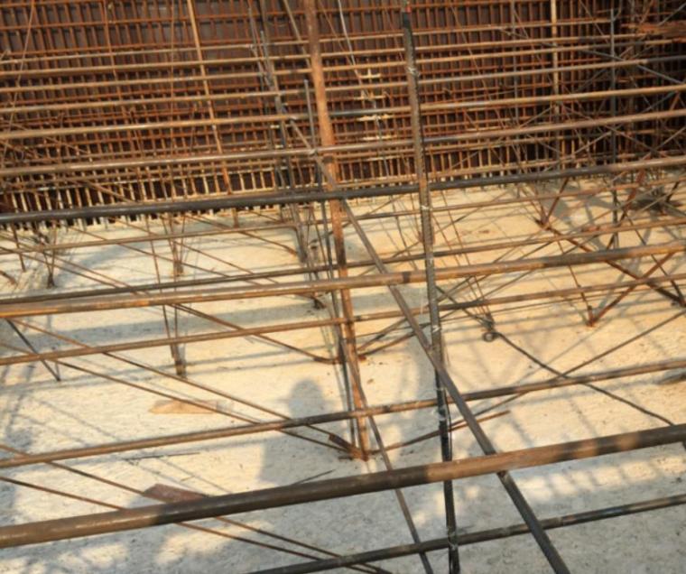 闸首大体积混凝土的裂缝控制工艺创新-冷却水管布置