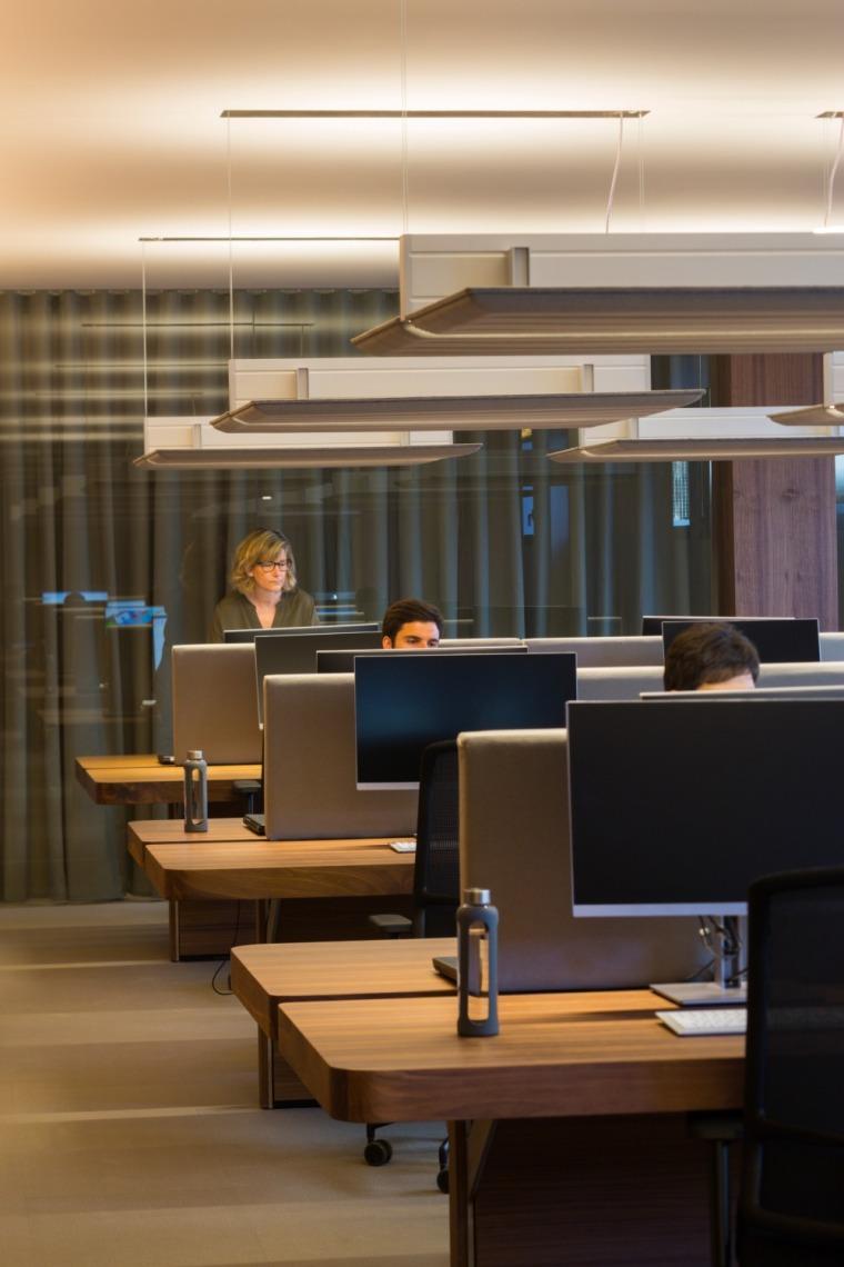 西班牙房产开发商somium总部办公室室内实景图 (16)