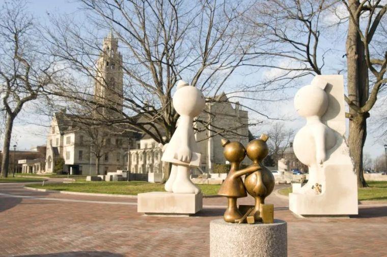 他设计了受全世界欢迎的雕塑,却也引人深思_48