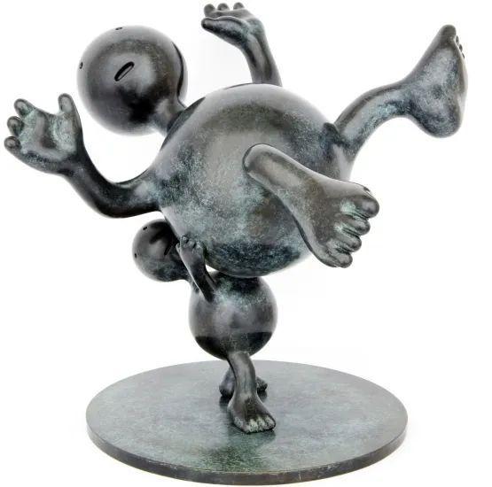 他设计了受全世界欢迎的雕塑,却也引人深思_58