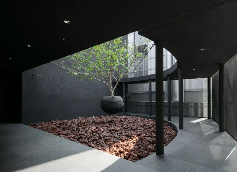 韩国极简设计先锋,探索艺术与设计的戏剧性_10