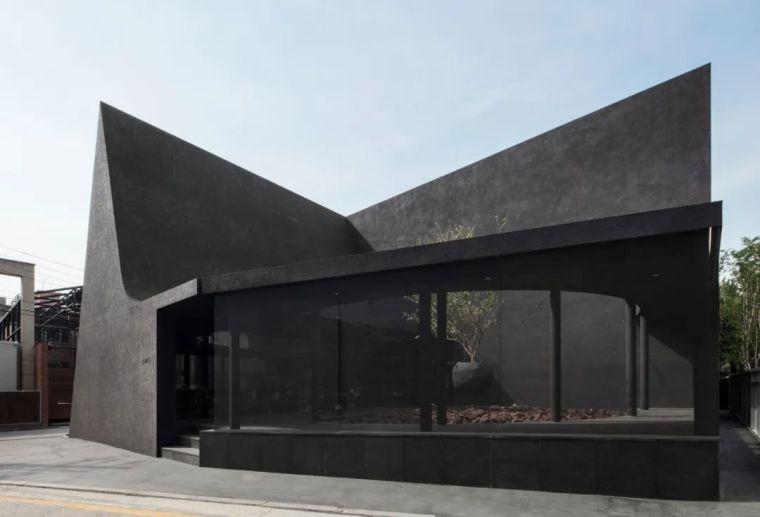 韩国极简设计先锋,探索艺术与设计的戏剧性_2