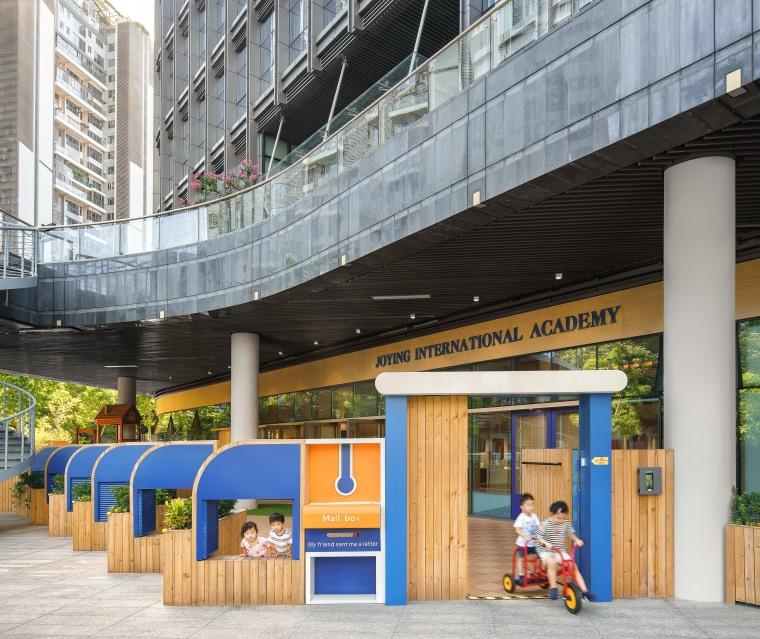 卓英国际幼儿学院外部实景图 (1)