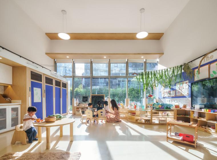 卓英国际幼儿学院室内实景图 (1)