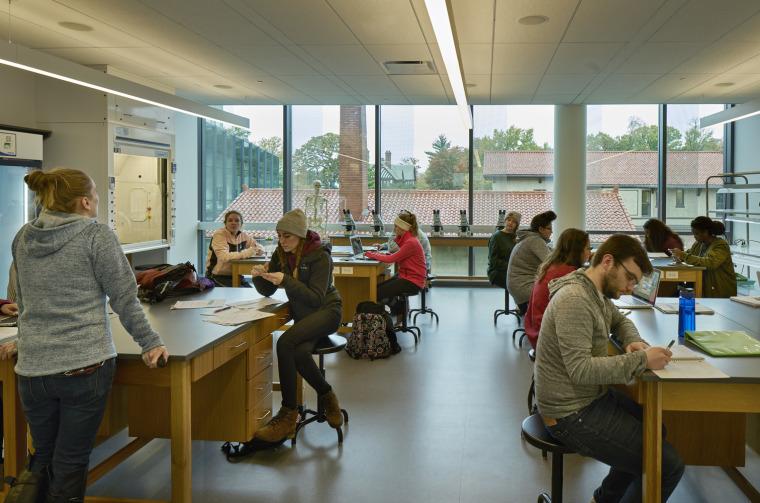 美国韦伯斯特大学布朗宁厅跨科学大楼内部实景图1