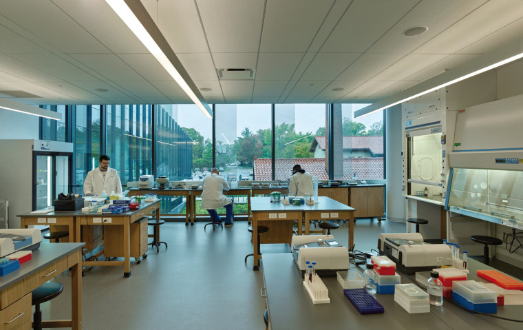 美国韦伯斯特大学布朗宁厅跨科学大楼内部实景图3