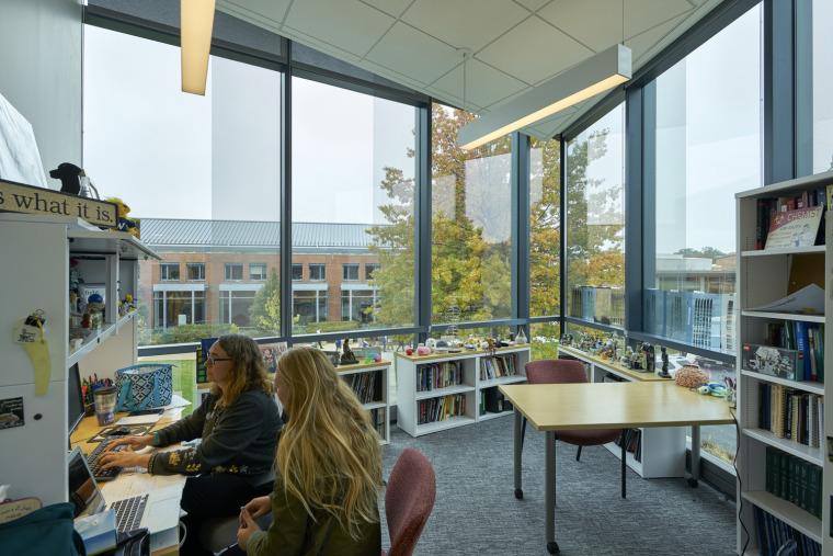 美国韦伯斯特大学布朗宁厅跨科学大楼内部实景图4