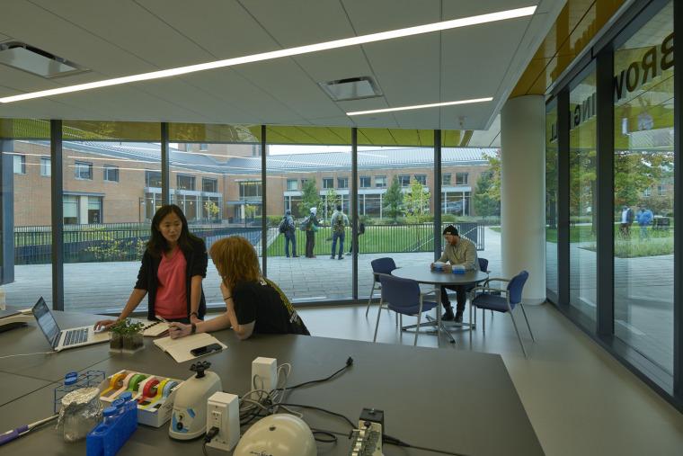 美国韦伯斯特大学布朗宁厅跨科学大楼内部实景图6