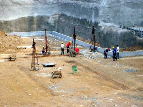 土木工程施工-第4讲-基坑验槽及地基加固处-地基钎探施工现场