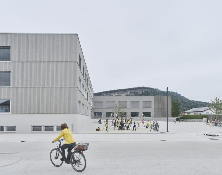 奥地利布泽·沃尔夫特小学外部实景图1