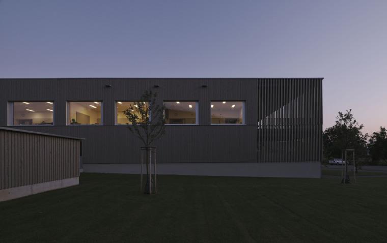 奥地利布泽·沃尔夫特小学外部实景图5