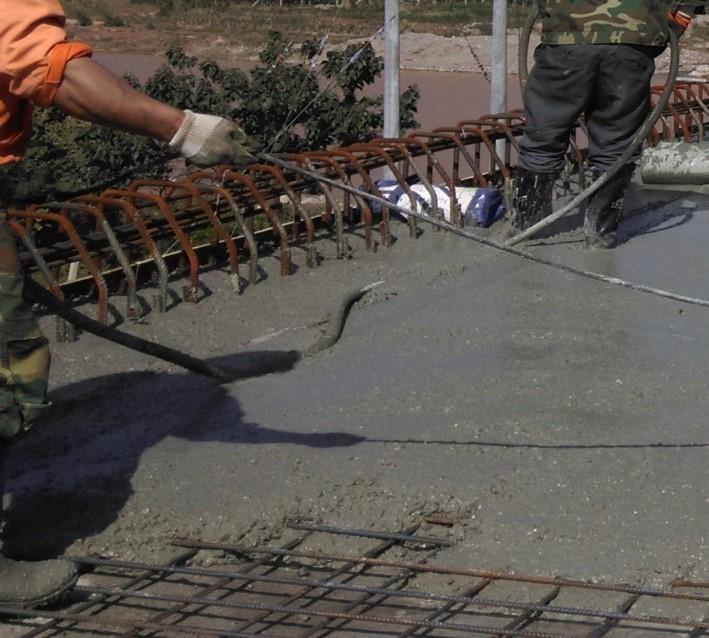 跨铁路桥梁箱梁架设及桥面铺装施工方案-桥面铺装施工