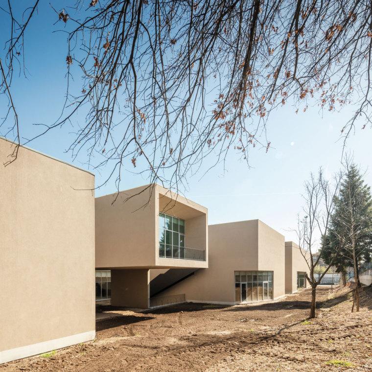葡萄牙EB2/3Tai仔学校-葡萄牙EB 23 Tai仔学校外部实景图 (7)