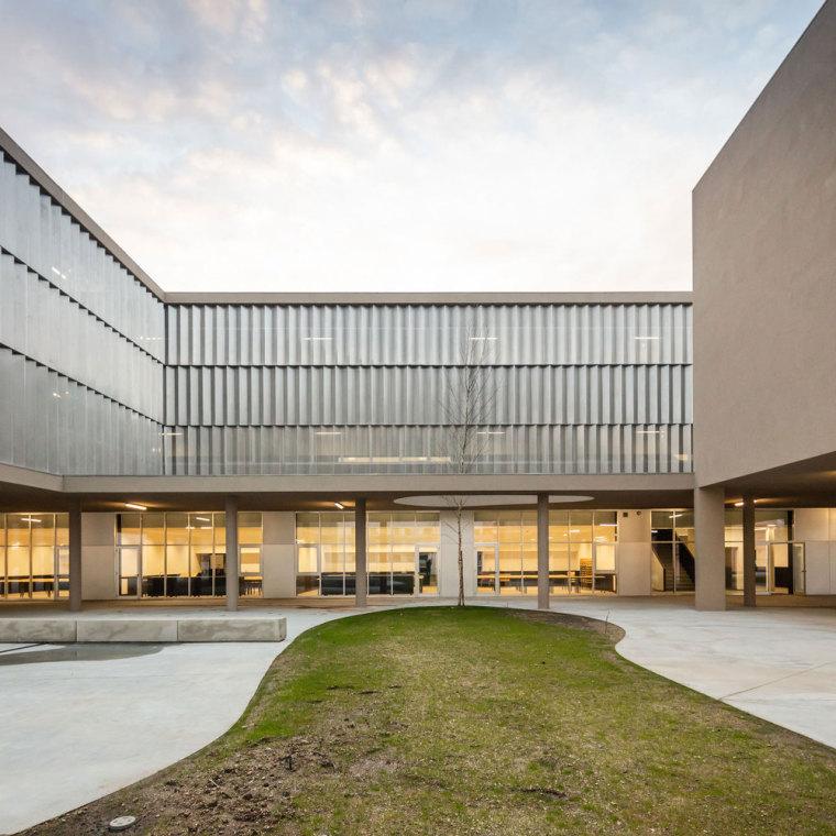 葡萄牙EB2/3Tai仔学校-葡萄牙EB 23 Tai仔学校外部实景图 (10)