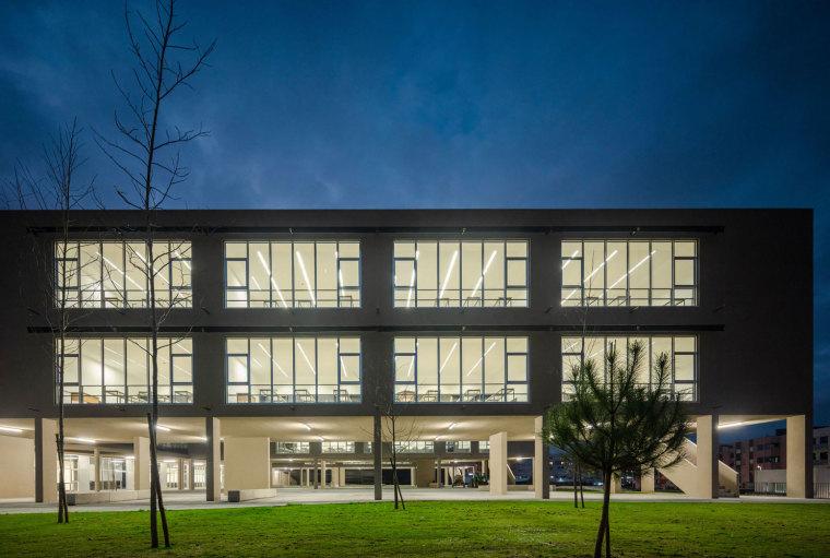 葡萄牙EB2/3Tai仔学校-葡萄牙EB 23 Tai仔学校外部实景图 (13)