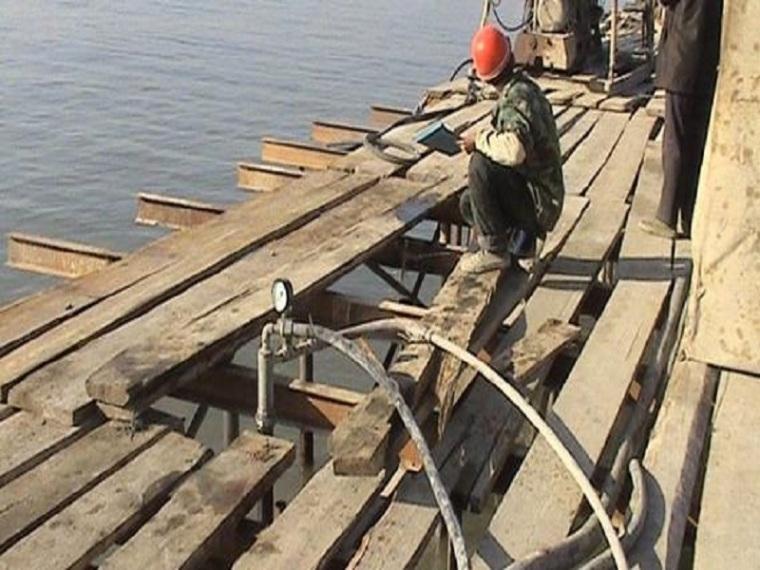 船坞工程止水施工工法-压水试验现场图