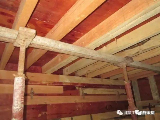 把控10个要点,提高混凝土板面平整度!_1