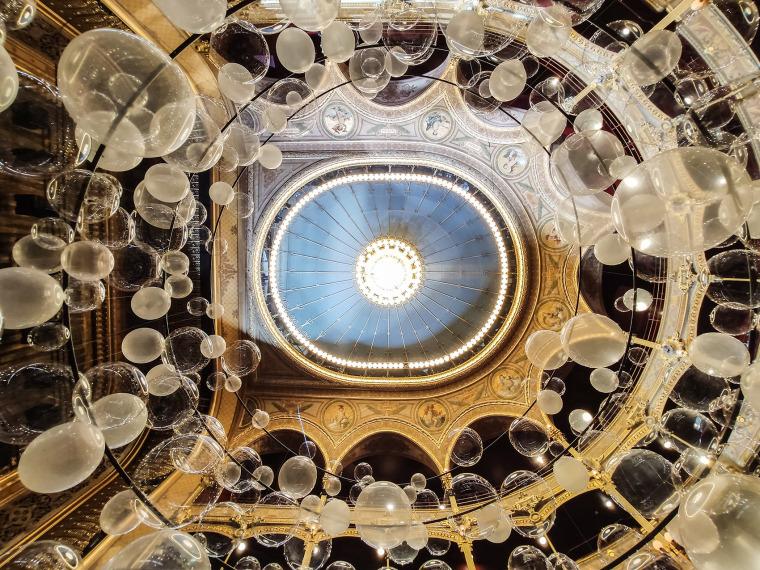 法国Variations剧院装置实景图