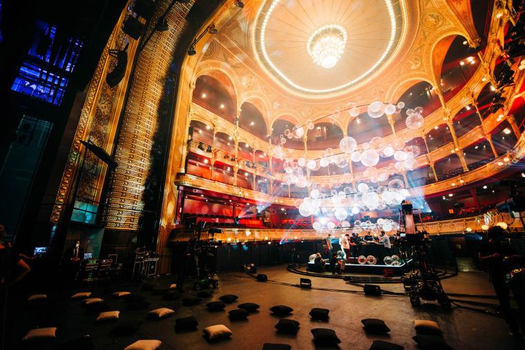 法国Variations剧院装置实景图1