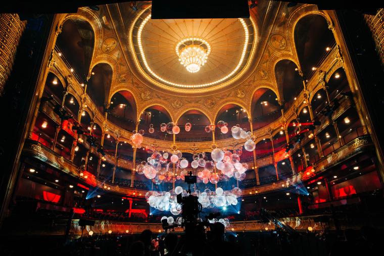 法国Variations剧院装置实景图2