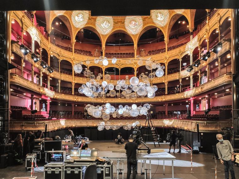 法国Variations剧院装置实景图3