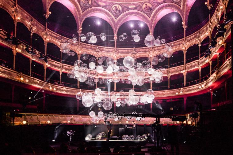 法国Variations剧院装置实景图5