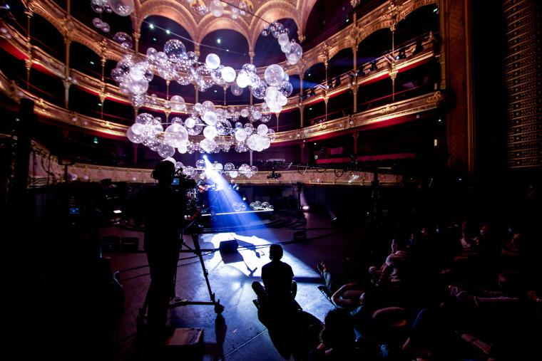 法国Variations剧院装置实景图6