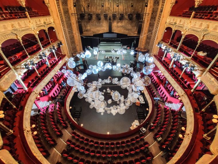 法国Variations剧院装置实景图14