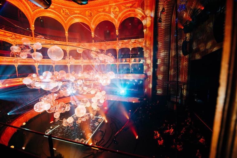 法国Variations剧院装置实景图17