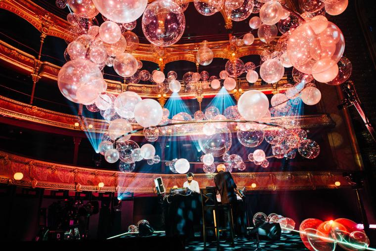 法国Variations剧院装置实景图18