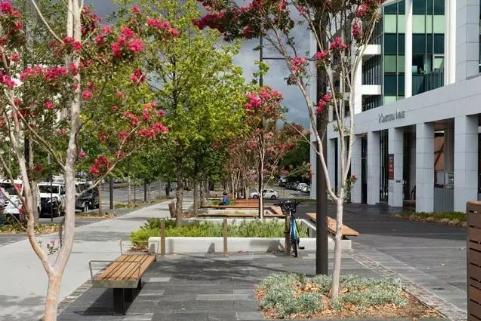 多重手法构建街道景观,附40条相关精品方案