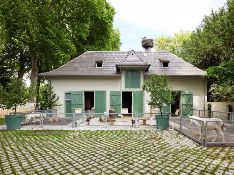 法国史特拉斯堡动物园的教学农场和游客中心-00