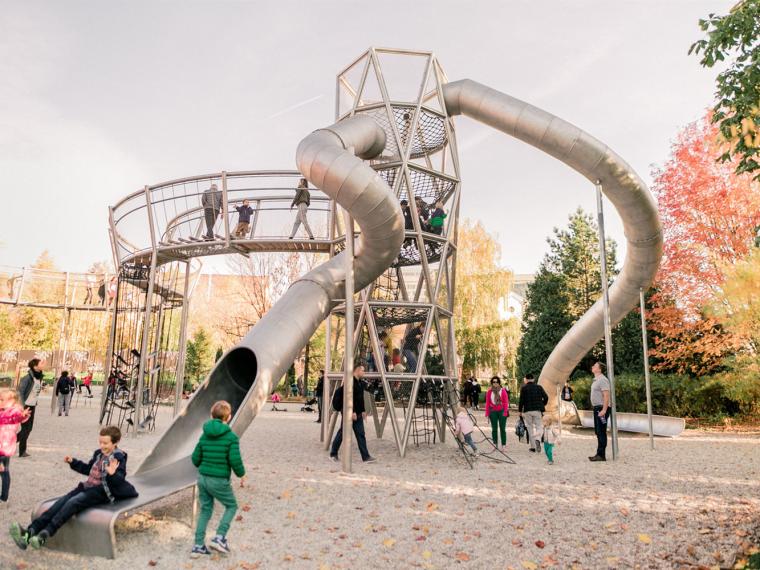 俄罗斯高尔基公园儿童游乐场