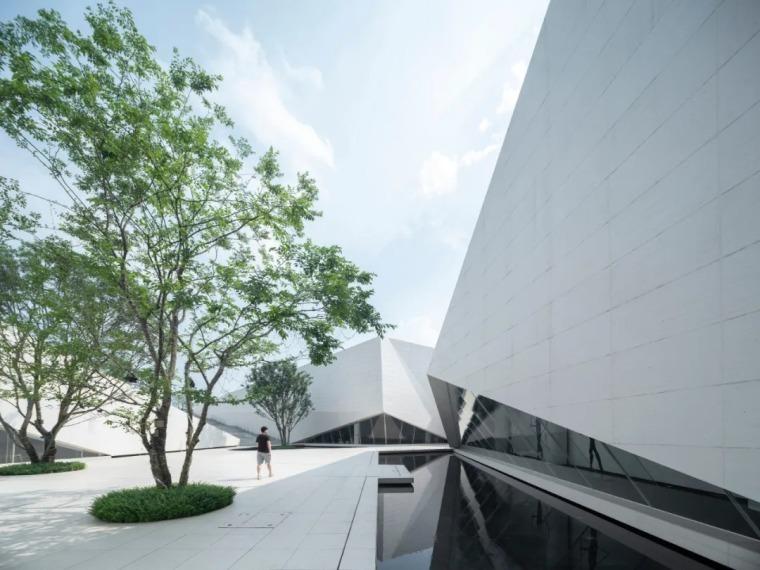 这才叫文化建筑,你那只是几个体块!-151654ch0cga4uljxiw23x