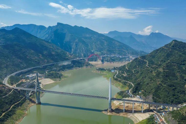 世界最大跨度钢箱桁架推力拱桥,晒主桥设计_9